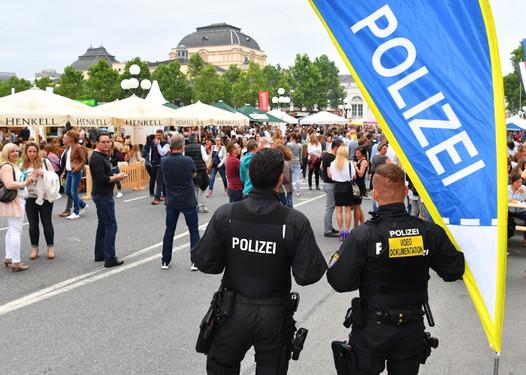 Wiesbadenaktuell Sicherheitszone Rund Um Das Bowling Green Und Der
