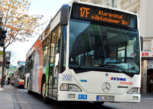 Wiesbadenaktuell Närrischer Fahrplan Für Die Dollen Tag In